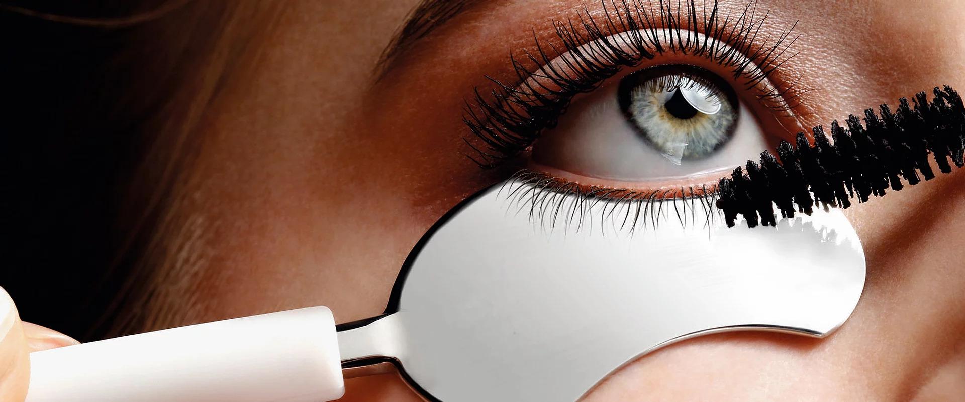 na'e eyelash spoon